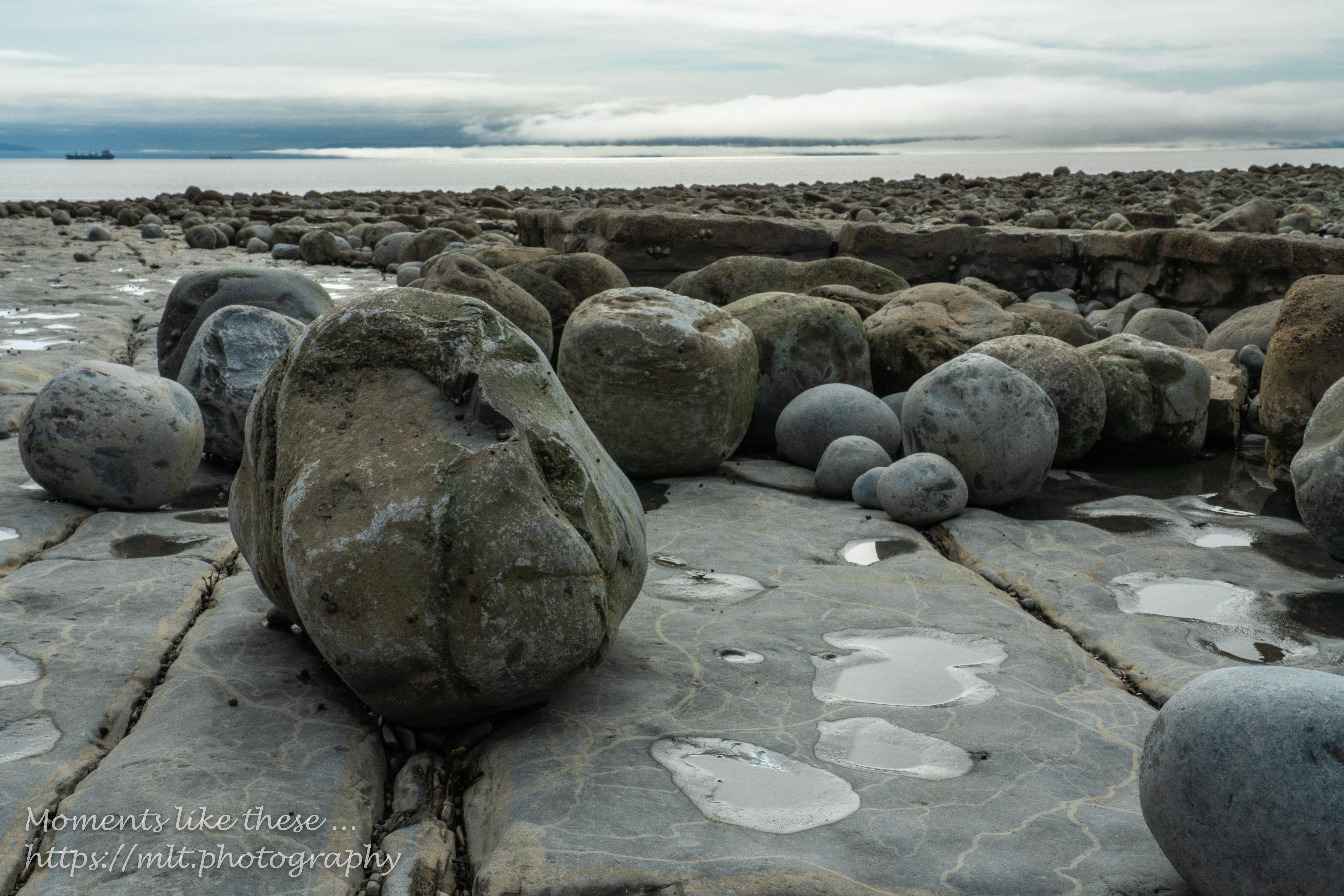 Boulders on the platform